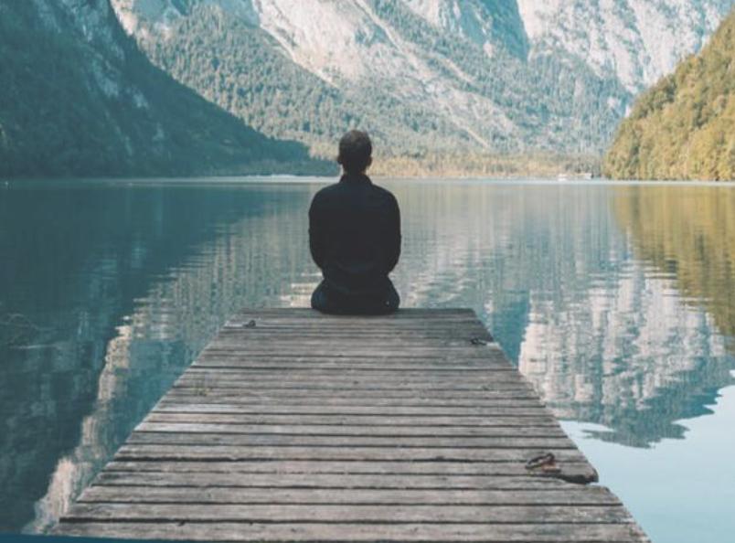 Atemarbeit zur Entspannung: weciety bietet dir kostenlose Meditation.