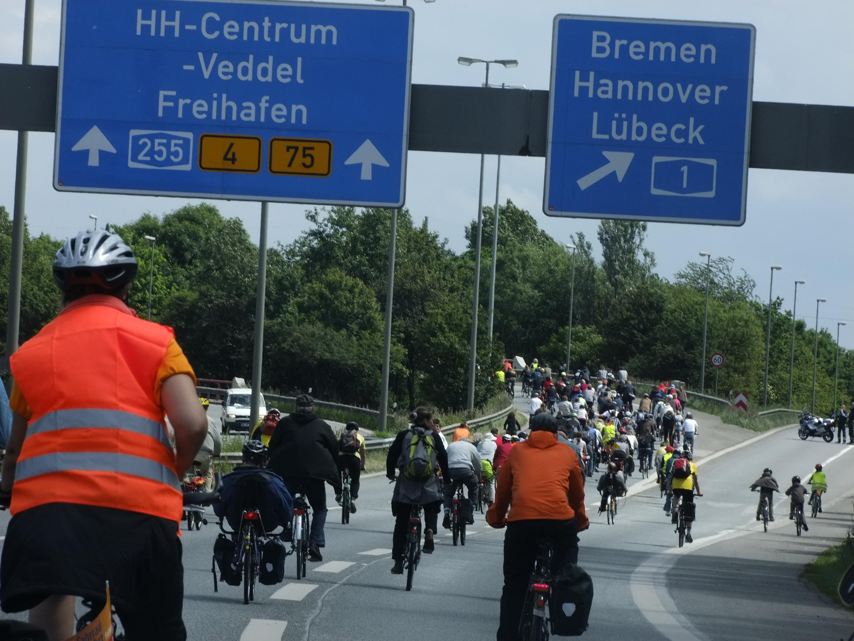 Bei der Fahrradsternfahrt radelst du gemeinsam durch die City.
