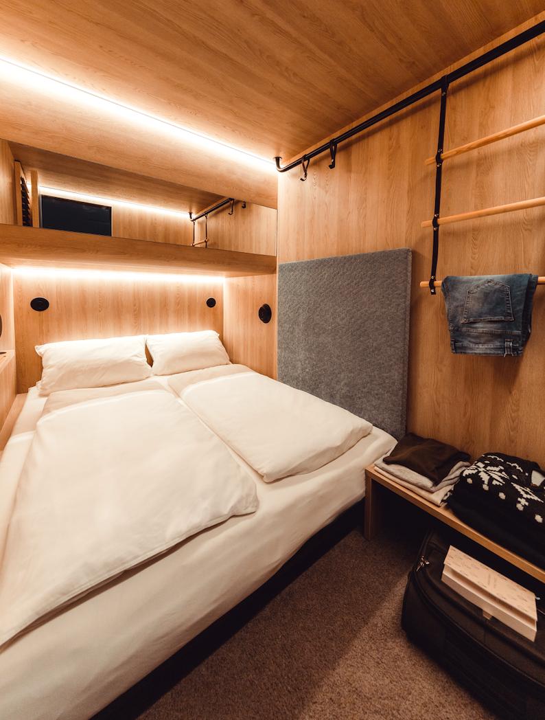 Urbane Entdecker übernachten im neu eröffneten Cabinhotel CAB20 in Hamburg