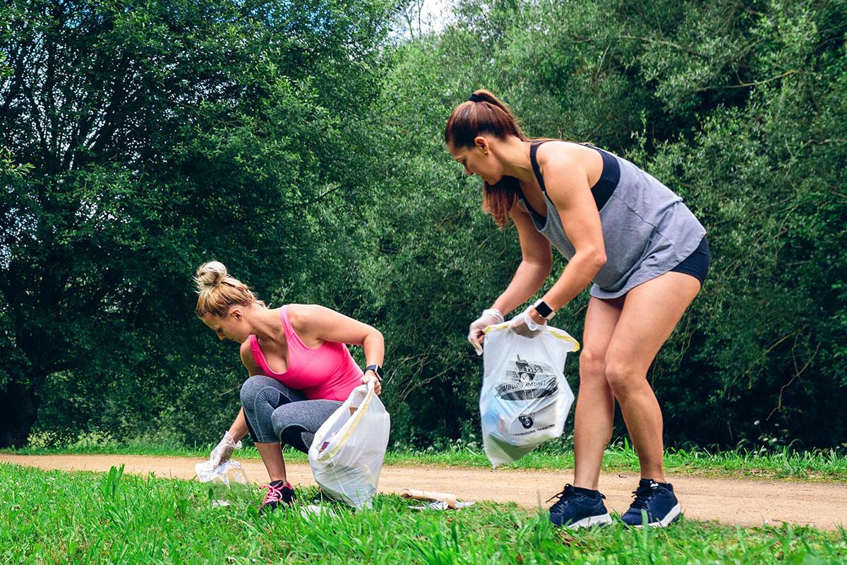 """Müll aufsammeln & sportlich sein? Das geht beim Plogging-Event von """"Hamburg räumt auf""""!"""